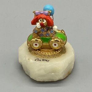 UNIQUE clown car balloon rock base gold figurine
